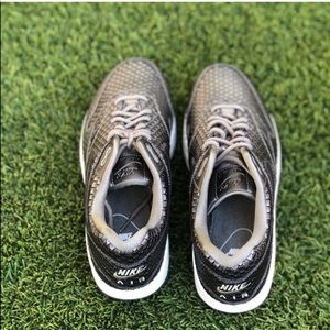 Nike Shoes - ☘️MAKE YOUR OFFER☘️ Nike Air Max 1